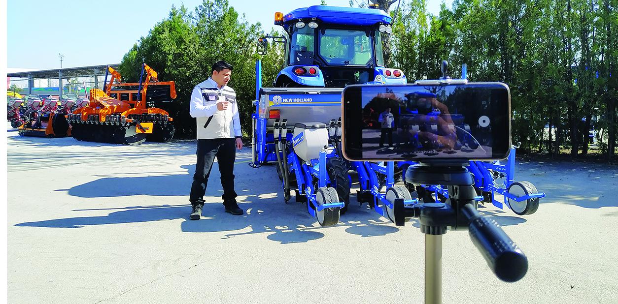 Çiftçilerimize uzaktan traktör eğitimi
