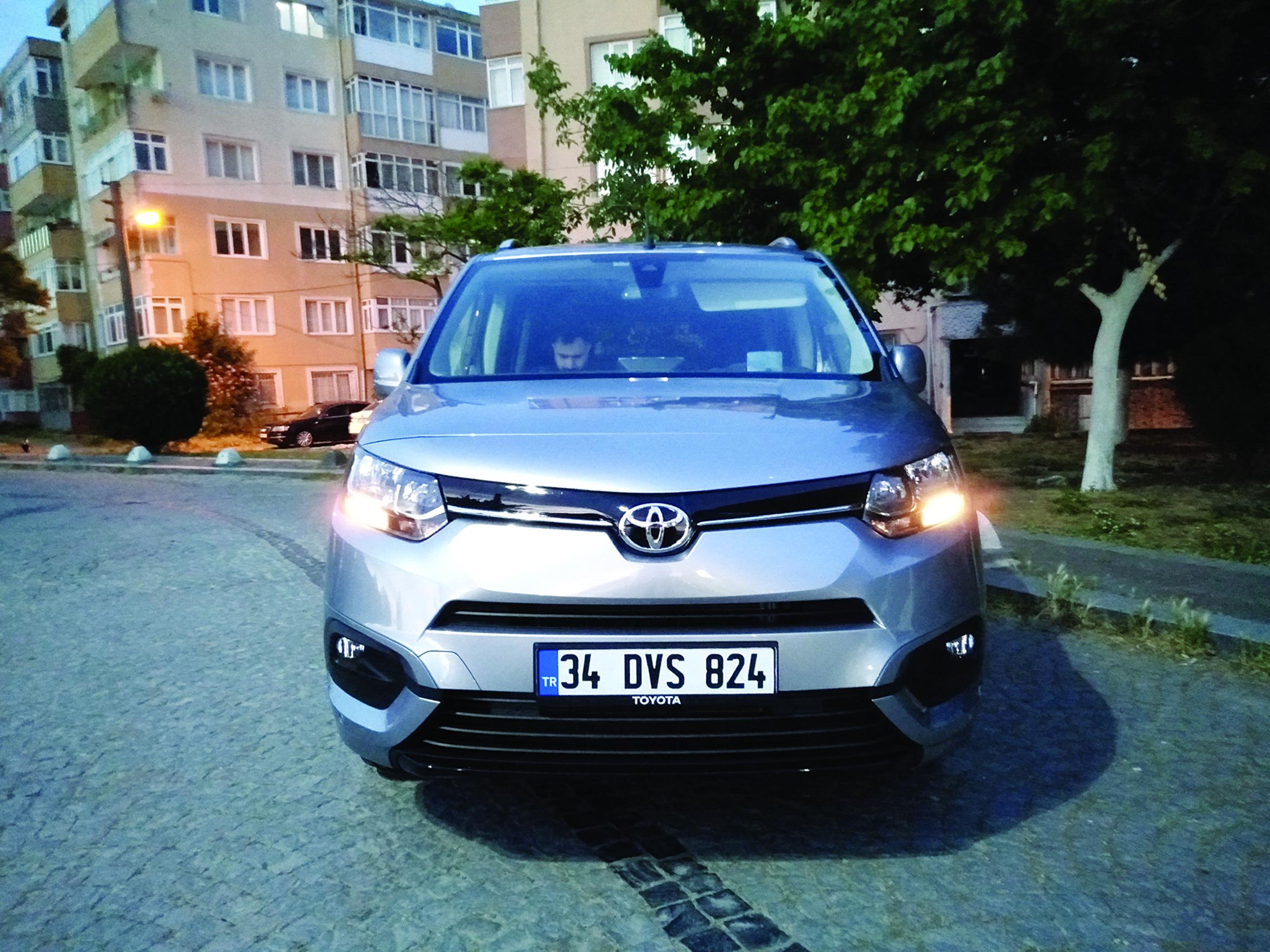 Toyota Proace City 8 ileri
